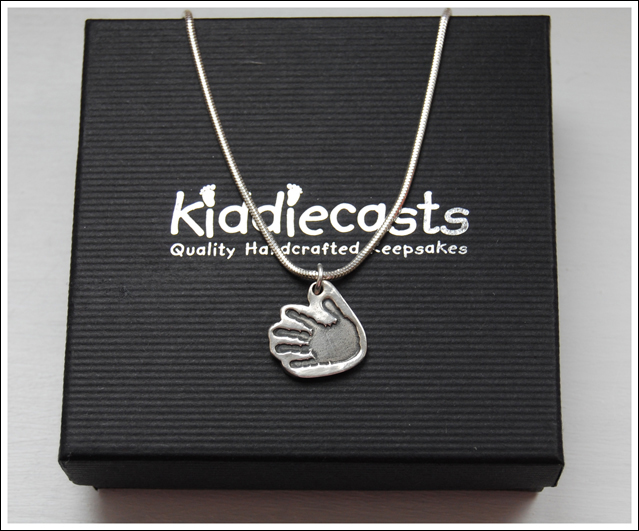 Medium cutout handprint necklace