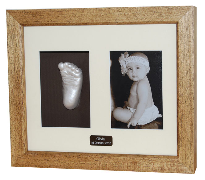 6x4 Photo with Single Foot Cast - Ivory finish - brown waxed frame